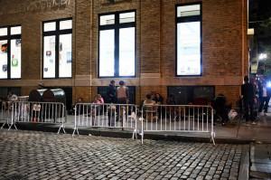 Bereits jetzt campen erste Menschen vor einem Apple-Store