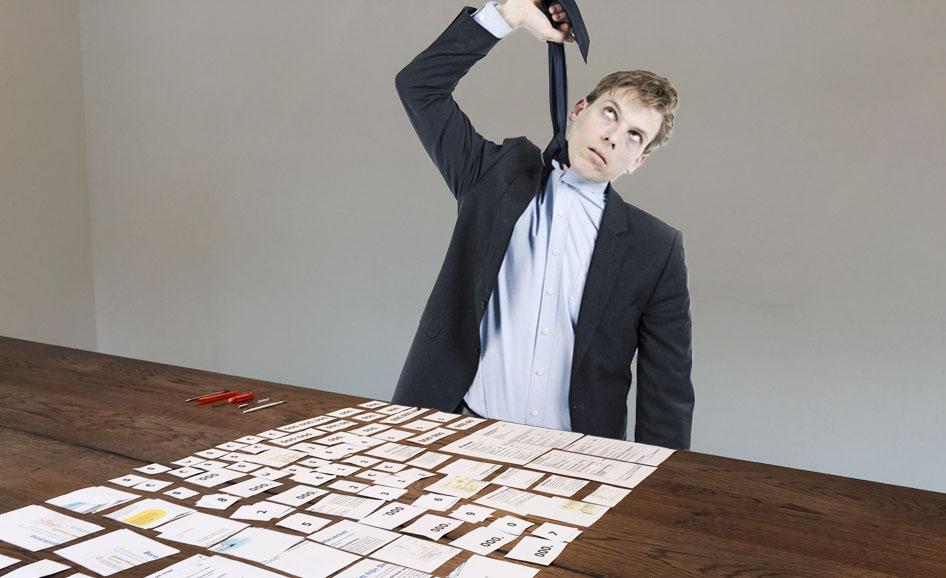 Ein Finanzbeamter resigniert.