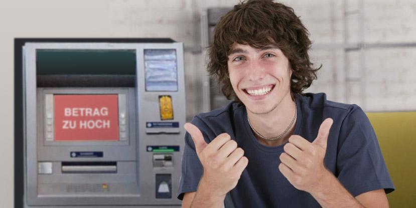 Student glücklich über Bankomatgebühr