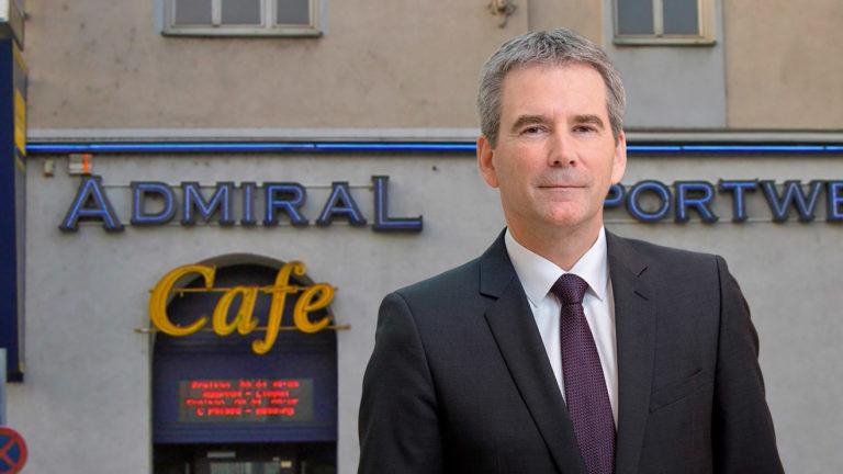 Löger steht vor Admiral-Sportwetten-Café