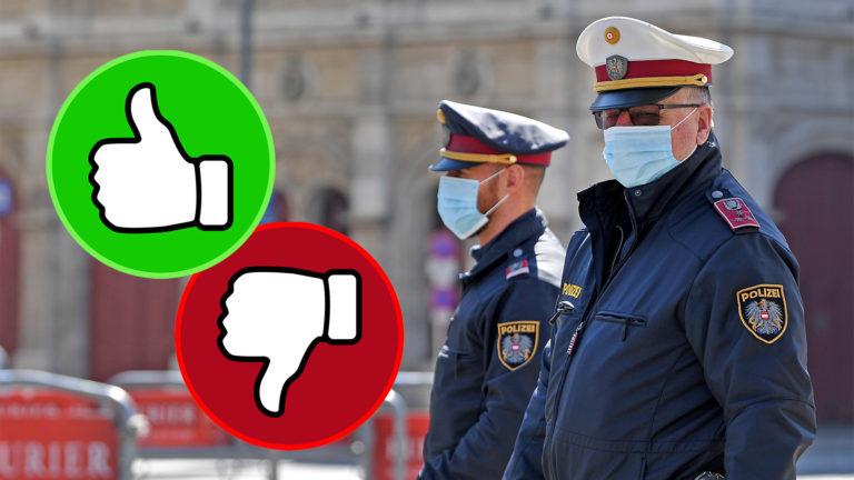 Polizisten mit Gesichtsmaske