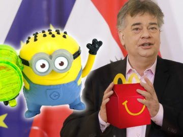 Kogler hält Happy Meal