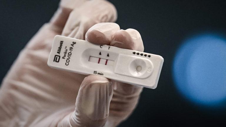 Positiver Antigen-Schnelltest