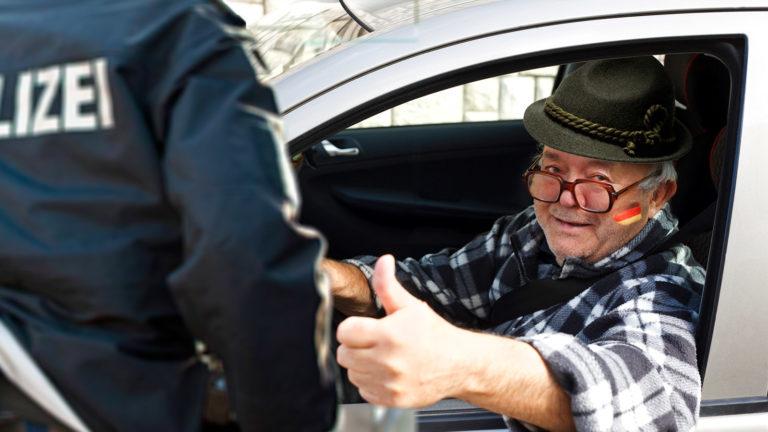 Alter Mann mit Tirolerhut