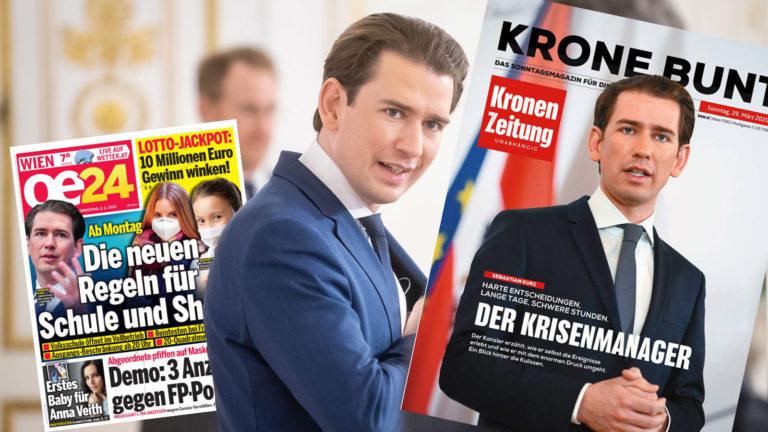 Kurz, daneben Zeitungen mit seinem Foto am Cover