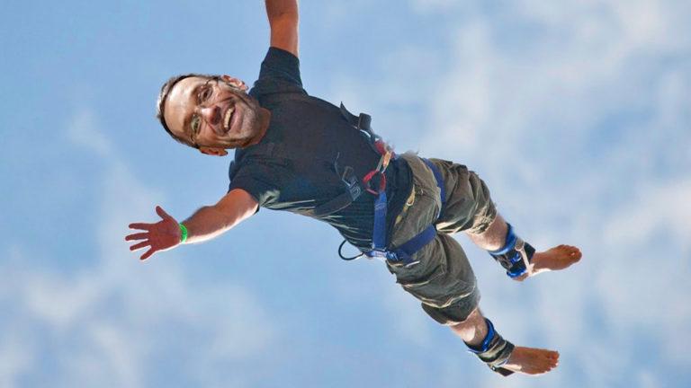 Kickl springt ohne Seil