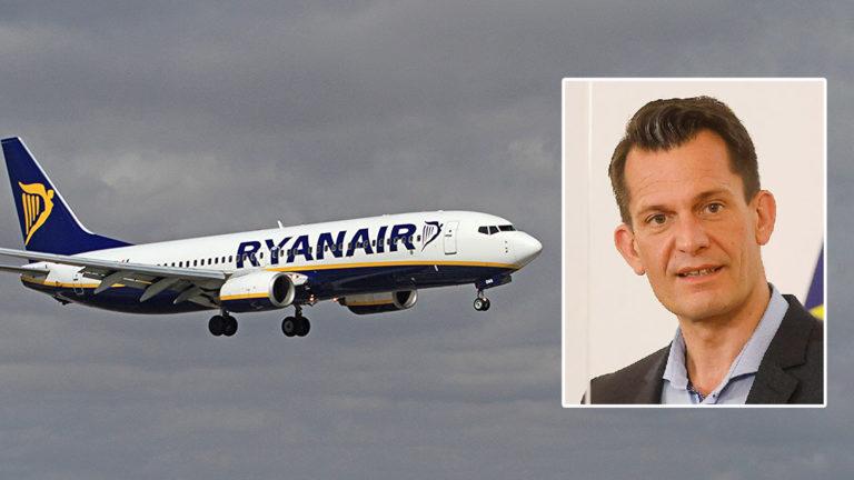 Ryanair-Maschine, daneben Mückstein