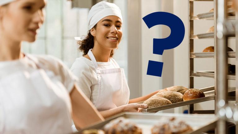 Glückliche Bäckerin