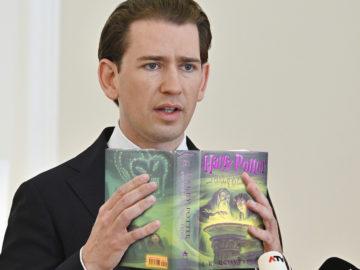 Kurz liest aus Harry Potter Buch vor